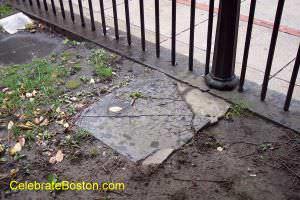 Nathaniel Byfield Tomb, Granary Burying Ground