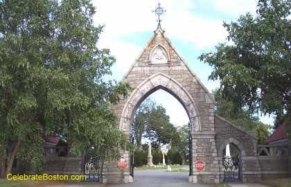Entrance to Oak Grove Cemetery
