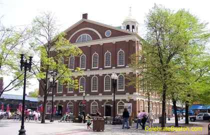 Faneuil Hall, Facing Congress Street
