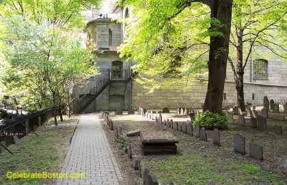King's Chapel Burying Ground Rear Walkway